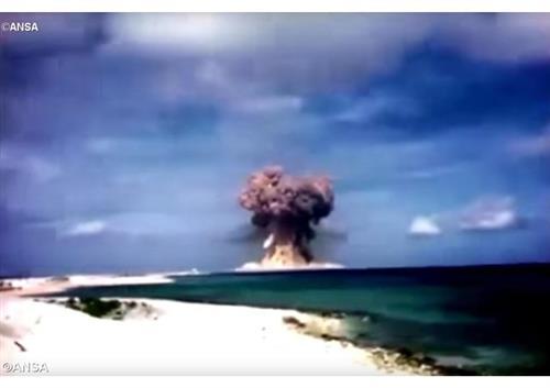 Đức Thánh Cha kêu gọi từ bỏ võ khí hạt nhân