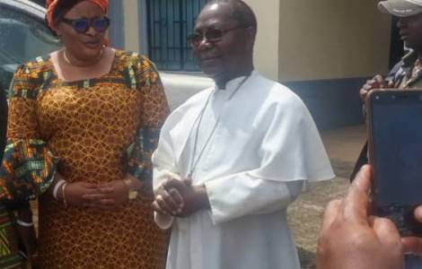 Đức Tổng Giám Mục Cameroon bị bắt cóc và thoát chết nhờ Kinh Mân Côi