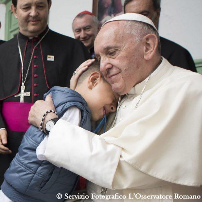 Giáo hoàng Phanxicô thân yêu, con là con mồ côi, có phải đó là lỗi của con không?
