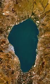 Hai Biển Hồ.