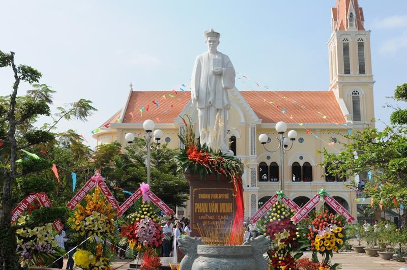 Hành hương kính Thánh Philipphê Phan Văn Minh tại trung tâm hành hương Đình Khao, ngày 03/7/2017