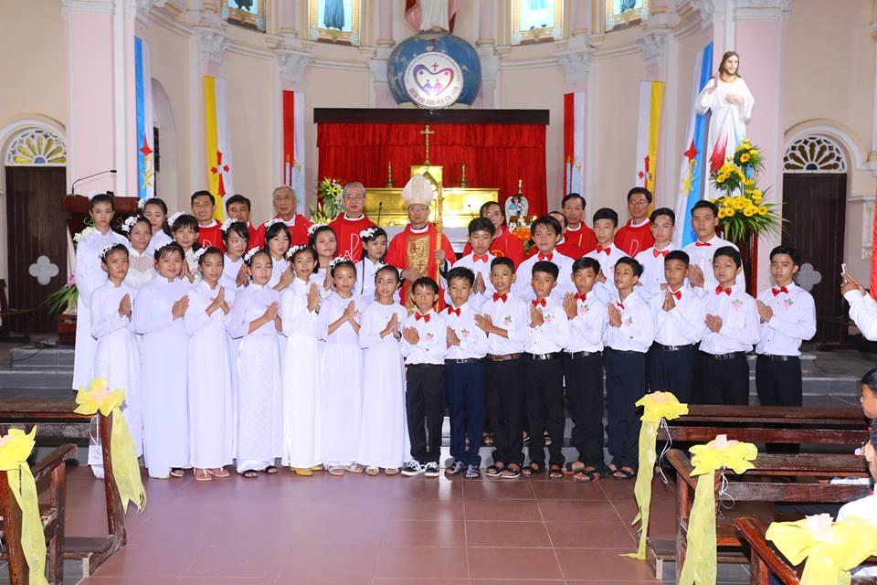 Họ đạo Mặc Bắc: Thánh Lễ ban bí tích Thêm Sức