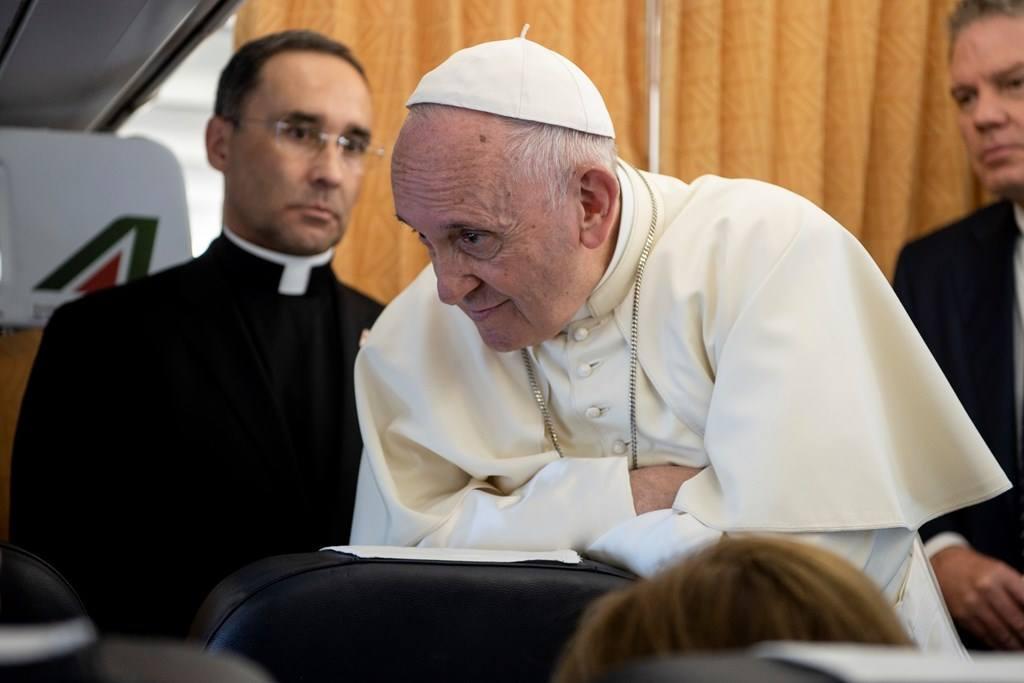 Họp báo của Đức Thánh Cha trên máy bay tối ngày 21-6-2018