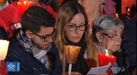 ĐGH Phanxicô chủ sự chặng đường Thánh giá: Lạy Chúa, xin cho chúng con thấy tất cả những thập giá của thế giới trên thập giá của Người