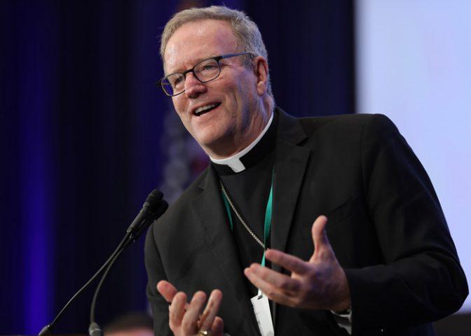"""Kế hoạch của Đức Giám mục Barron nước Mỹ để """"đưa"""" các bạn trẻ về với Giáo hội"""