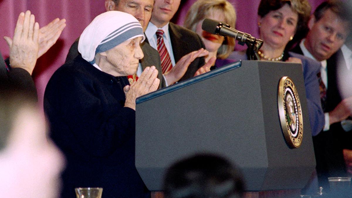 Khi Mẹ Thánh Têrêsa dám nói với một Tổng thống Mỹ rằng phá thai là tội giết người