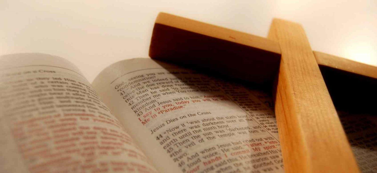 Kinh Thánh, ngọn đèn sáng soi