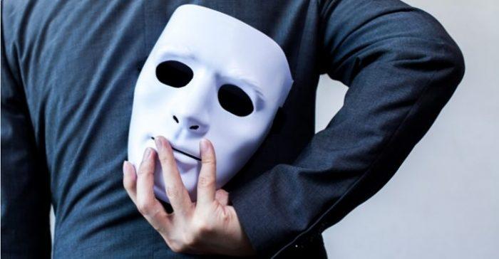 Làm thế nào để nhận diện một kẻ tự mê?