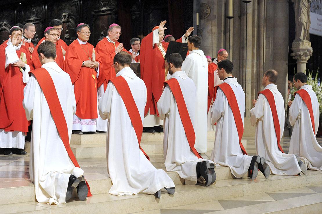 Lần đầu tiên kể từ năm 2010, số linh mục trên toàn thế giới đã giảm sút