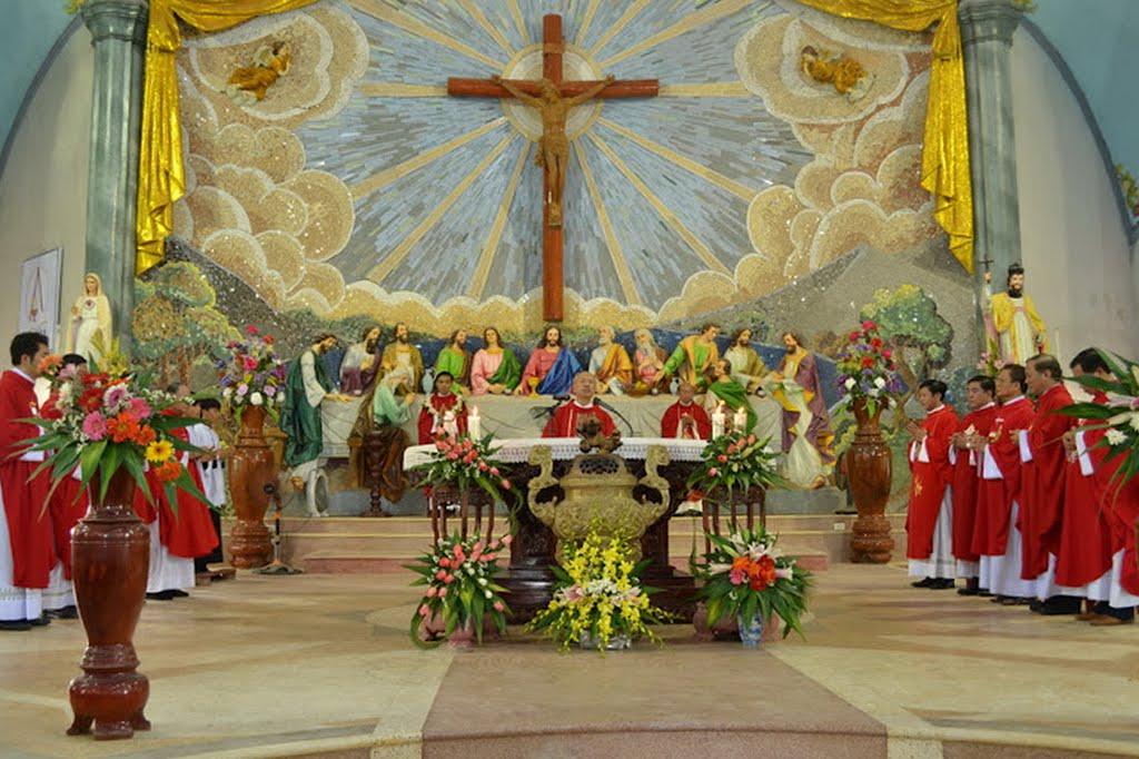 Linh Mục có được cử hành hay đồng tế hơn một Thánh lễ trong ngày không?
