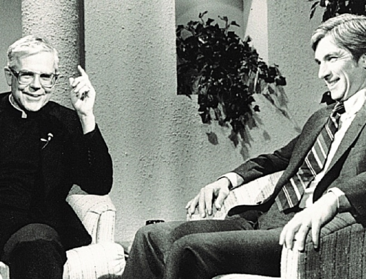 Lời tiên tri năm 1976 của cha Michael Scanlan và những sự kiện năm 2020