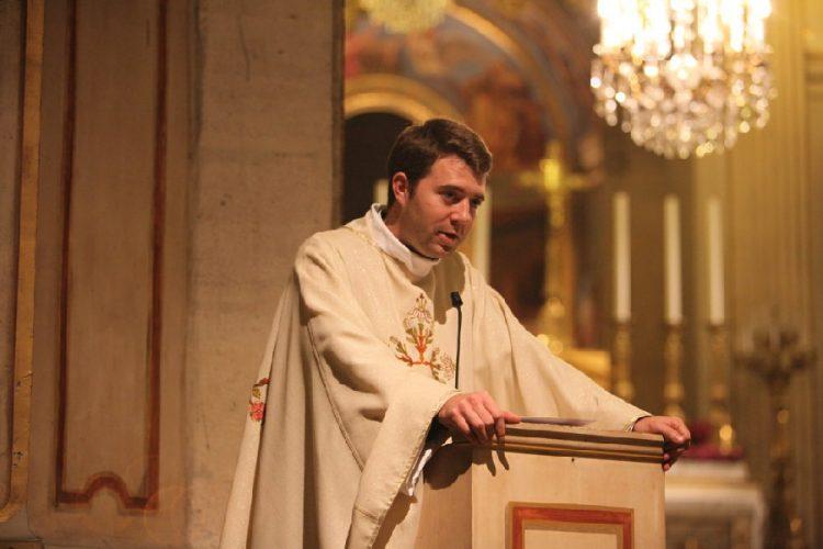 """Ma quỷ, một hình ảnh biểu tượng? Câu trả lời của tôi cho """"giáo hoàng áo đen"""""""