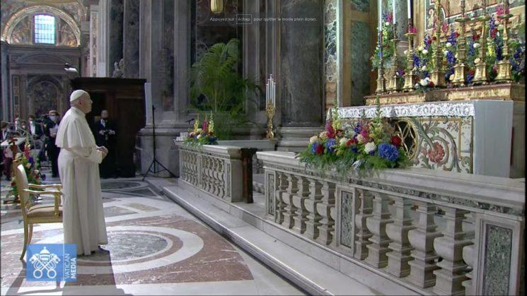 Marathon cầu nguyện: Quan trọng là hiệp nhất với giáo hoàng