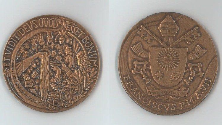 Medal năm thứ 7 triều Giáo Hoàng của Đức Phanxicô