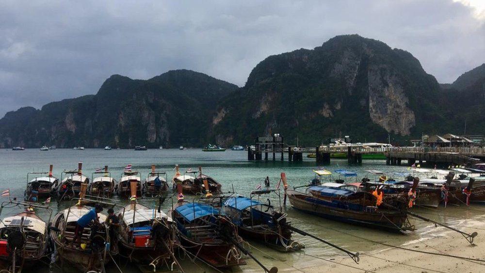 Một nhóm giáo lý viên Thái Lan bất ngờ được ĐTC gặp riêng