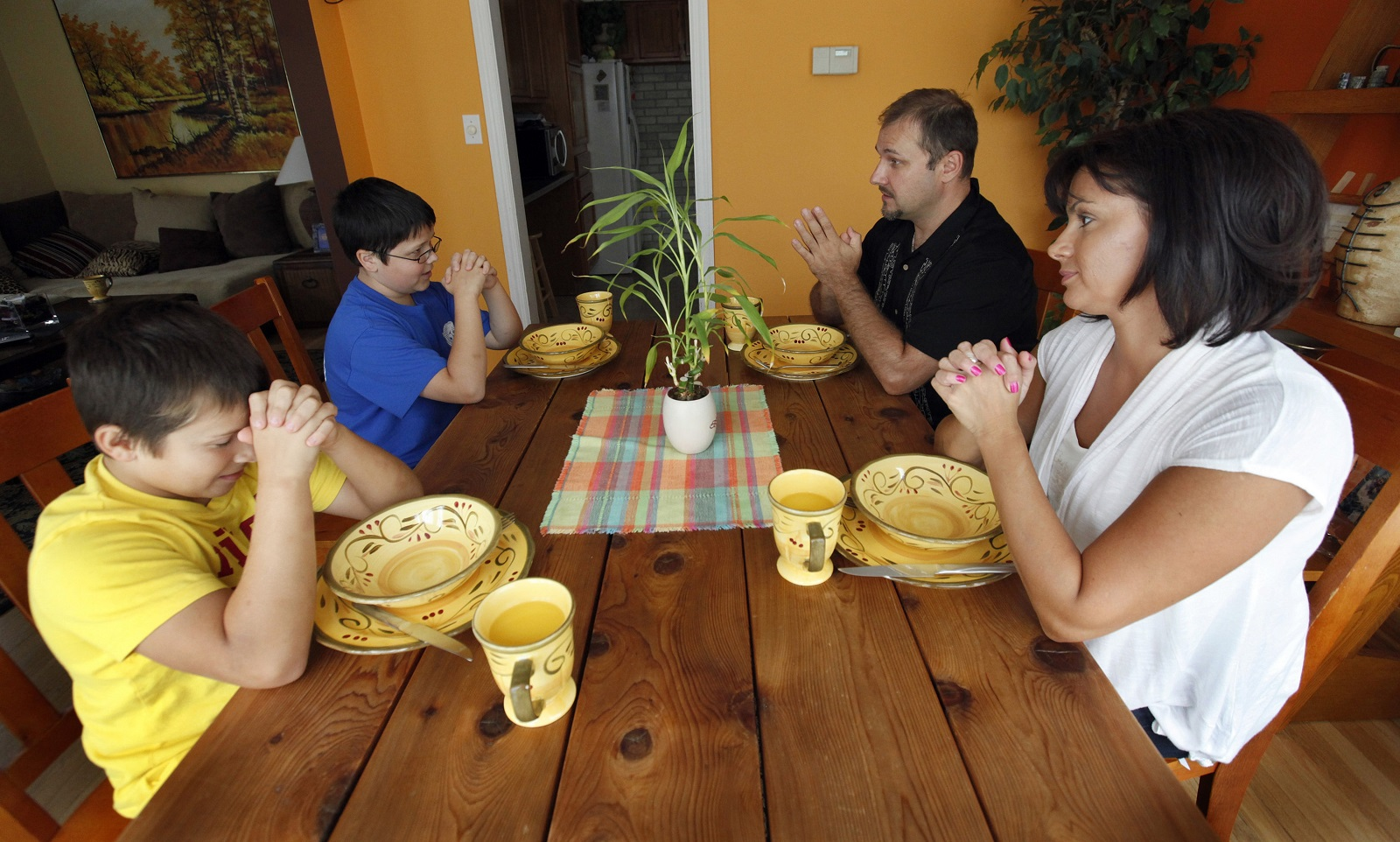 Năm khoảnh khắc chia sẻ đức tin thường bị bỏ qua trong đời sống gia đình