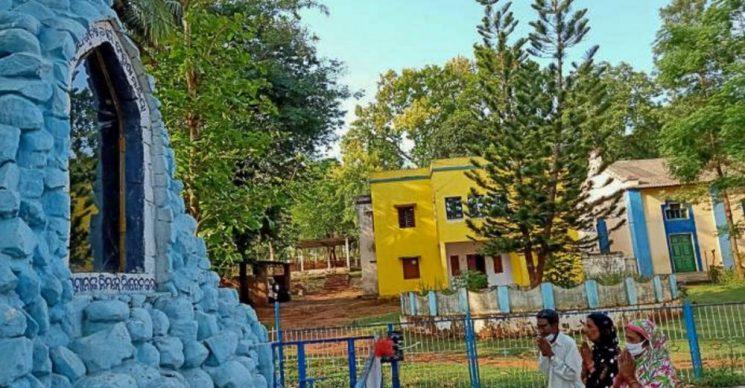 Nạn nhân của vụ thảm sát Odisha, Ấn Độ, tham gia marathon cầu nguyện xin chấm dứt đại dịch