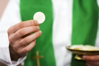 Người đi lễ trễ có được rước lễ không?.
