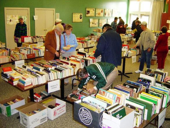 Người Mỹ 'dụ' trẻ đọc sách thế nào?