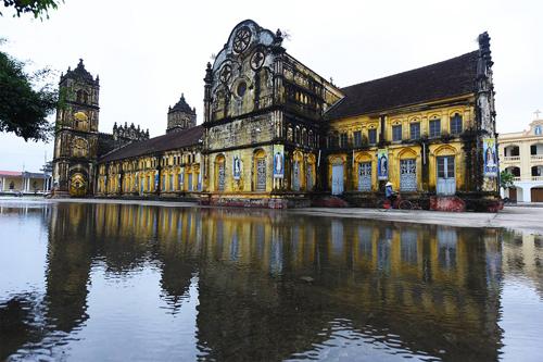 Nhà thờ Bùi Chu và đóng góp của Công giáo cho xã hội Việt Nam