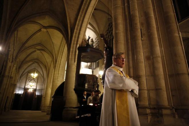 Nhà thờ Đức Bà Paris có khả năng 50% không cứu được