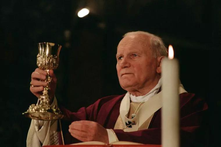 Những bài học hợp thời từ Thánh Giáo hoàng Gioan Phaolô II nhắc nhở chúng ta những chân lý về vấn đề lao động và gia đình