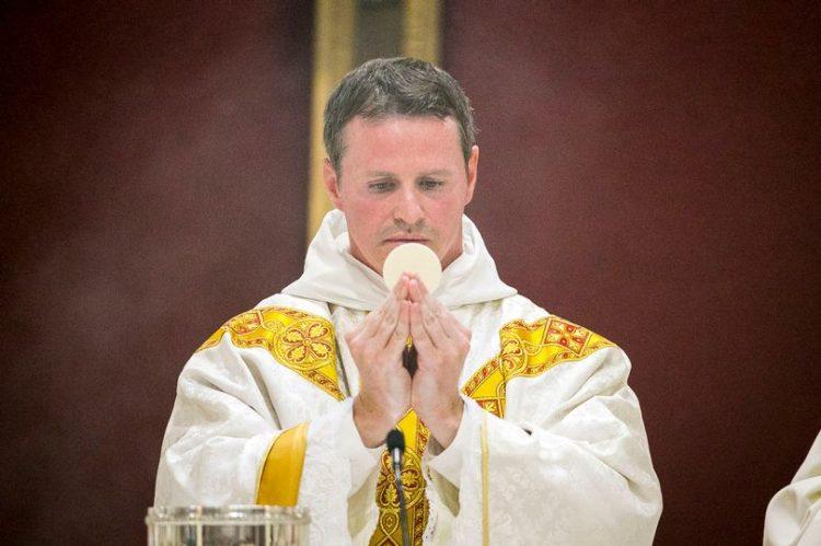 Philip Mulryne, cựu cầu thủ đội Manchester United chịu chức linh mục