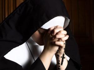 Phút cầu nguyện: Cầu nguyện cho người sống đời thánh hiến
