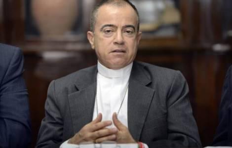 Các nhà lãnh đạo tôn giáo Puerto Rican yêu cầu Hoa Kỳ giúp đỡ cuộc khủng hoảng nợ