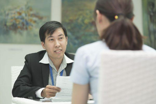 Sự dối trá của một số du học sinh Việt Nam ở trời Tây