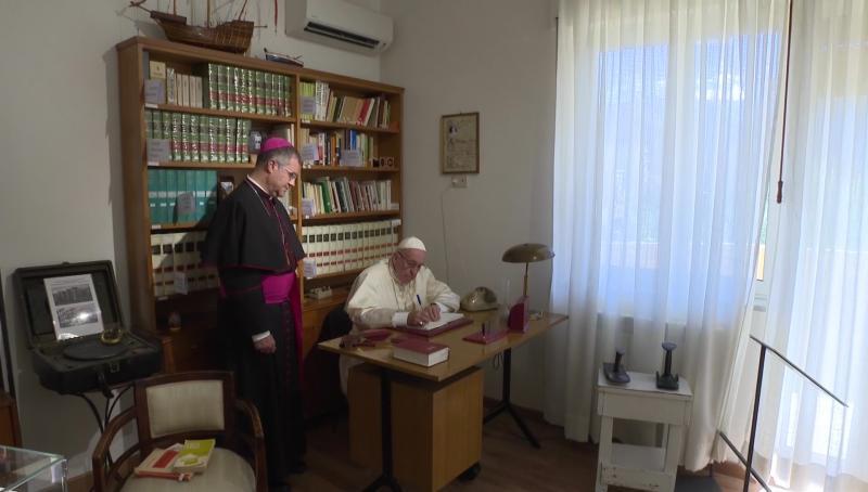 Tại sao ĐGH Phanxicô ký tài liệu về giới trẻ ở Loreto?
