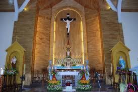 Tại sao trong nhà thờ, tượng Đức Mẹ đặt bên trái, còn thánh Giuse bên phải?
