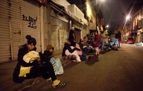 Thảm cảnh bị bỏ quên: 8 ngày sau động đất nhiều làng bên Mexico vẫn còn bị cô lập.