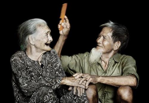Thân phận tuổi già trong kiếp nhân sinh