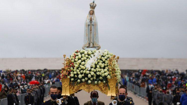 Thánh lễ kỷ niệm 104 năm ngày Đức Mẹ hiện ra tại Fatima