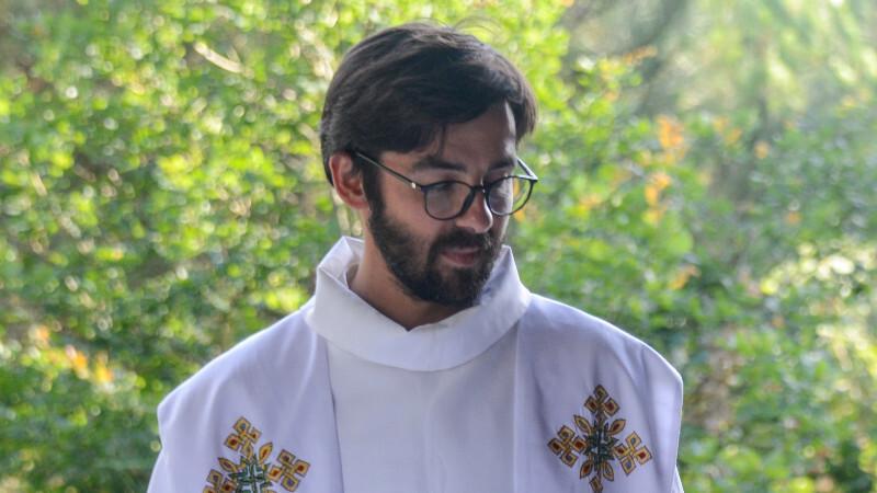 Thợ mộc trong tuần, linh mục cuối tuần: Hành trình độc đáo của linh mục Bartholomew