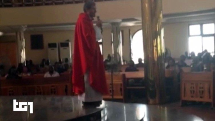 Tín hữu Công giáo Nigeria mặc y phục đen ngày lễ Tro