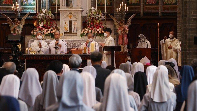 """Tổng giáo phận Seoul tham gia """"40 ngày cầu nguyện cho sự sống"""" chống phá thai"""