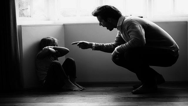Trẻ mắc lỗi, người lớn cư xử ra sao?