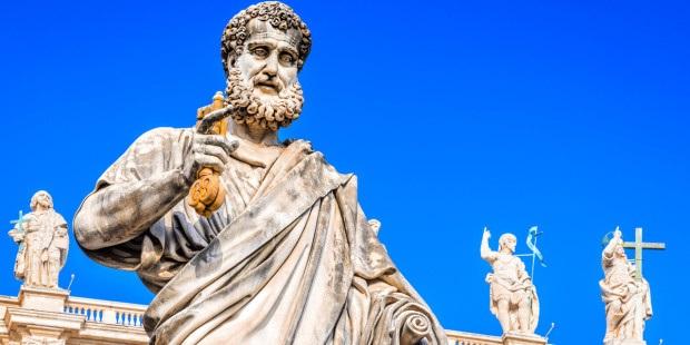 Trong số 266 giáo hoàng trên Ngai tòa Phê-rô có bao nhiêu vị đã được tuyên thánh?