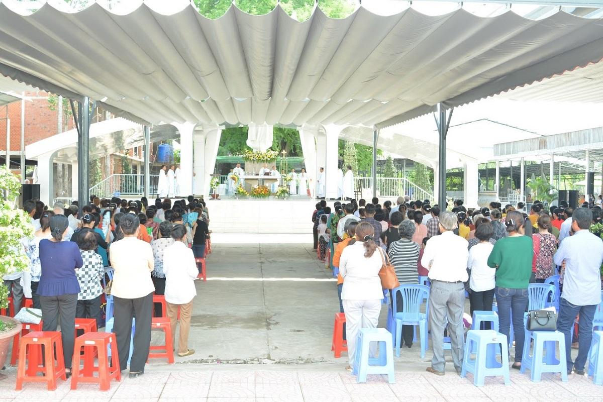 TTHH Fatima Vĩnh Long: Hành hương kính Mẹ 13-6-2020