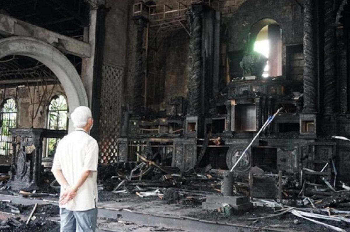 Tượng Santo Nino, Chúa Giêsu Hài Đồng ở Philippines bị một đám cháy làm hư hại