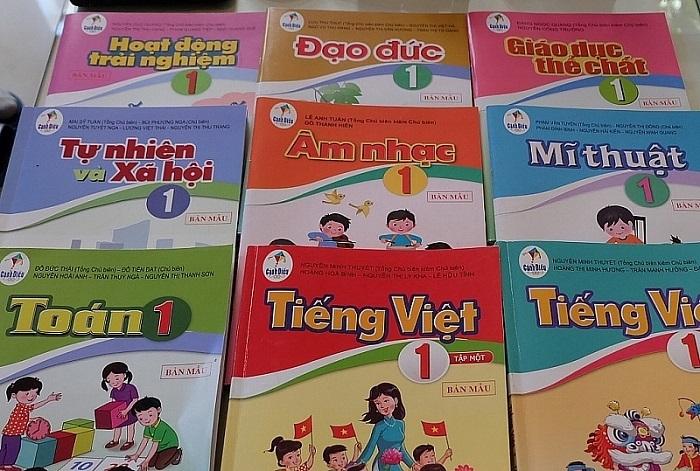Vấn đề sách giáo dục ở Việt Nam: cần bắt đầu lại từ đâu?