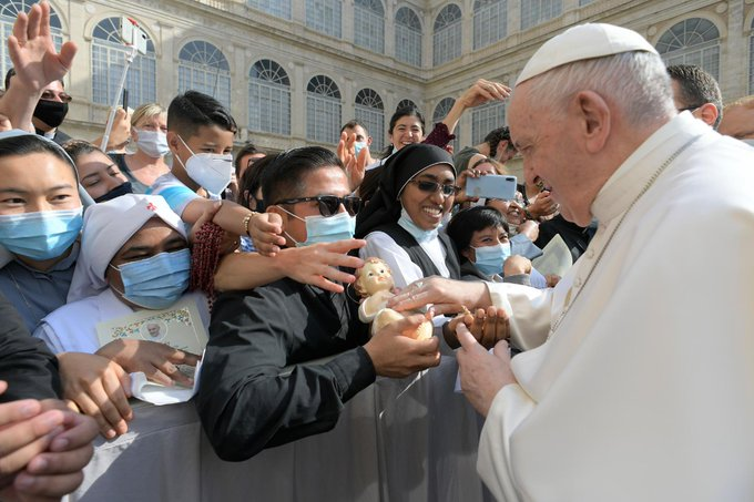 """""""Vatican bùng nổ"""", hệ quả của sự sụp đổ lâu dài và dần dần của cơ cấu quản trị và sứ vụ của Giáo hội công giáo"""