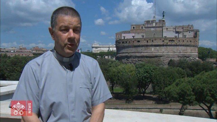 Vị linh mục hoán cải những tù nhân khét tiếng nhất ở nhà tù Challapalca