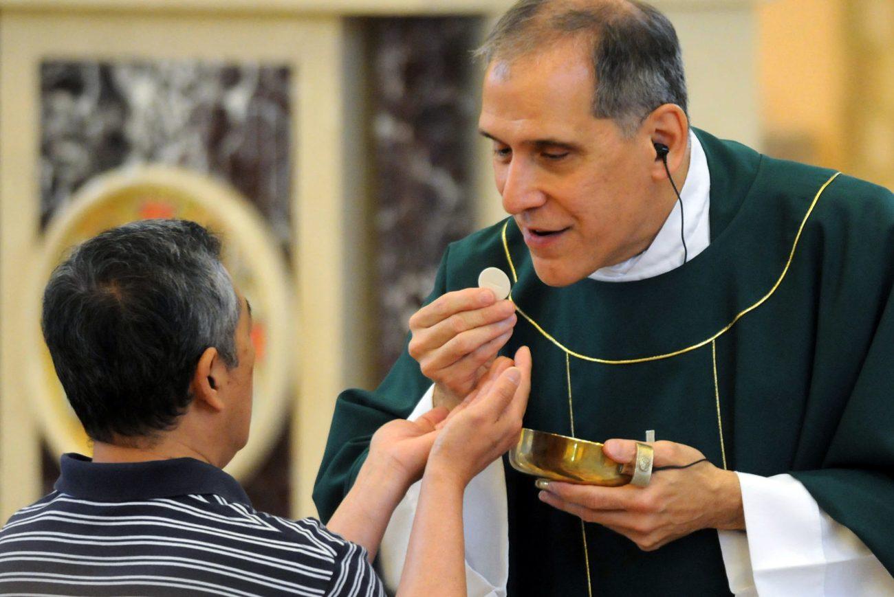 Vị linh mục khiếm thị ở Pennsylvania