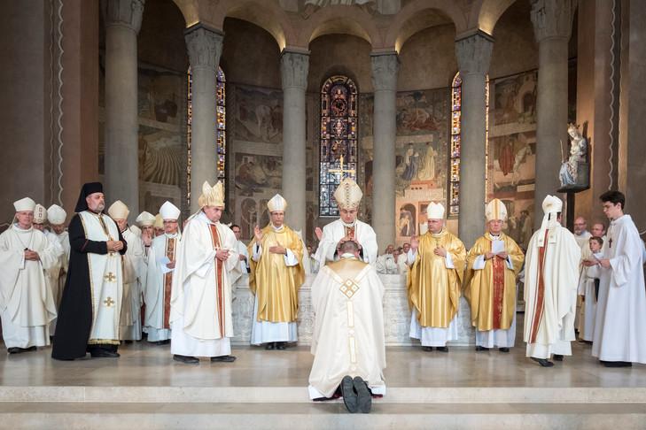 Vì sao họ không chấp nhận làm giám mục?