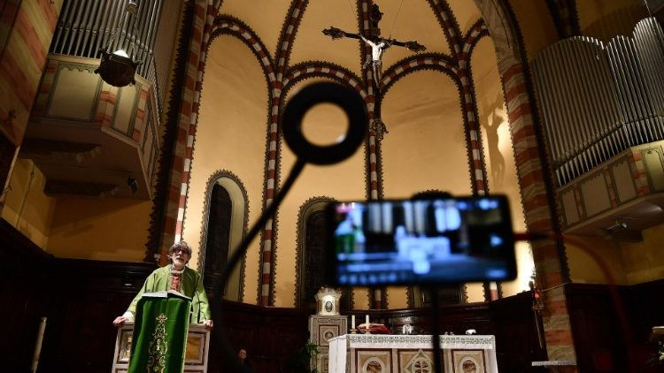 Virus corona: các Gia đình Công giáo tại Singapore hiệp nhất hơn